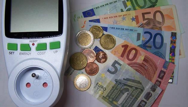 La inflación se mantiene en octubre en el 0,1 % por la subida de la luz