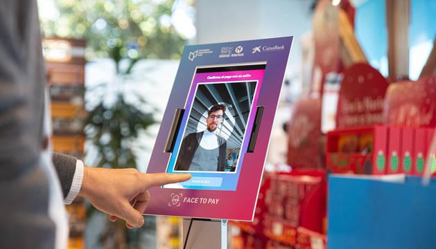 CaixaBank, Nestlé Market y el Payment Innovation Hub ponen en marcha el primer sistema de pago con reconocimiento facial en España.