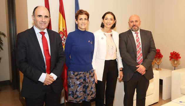 De izda. a dcha., Manu Ayerdi, MAría Chivite, la ministra Reyes Maroto y José Luis Arasti