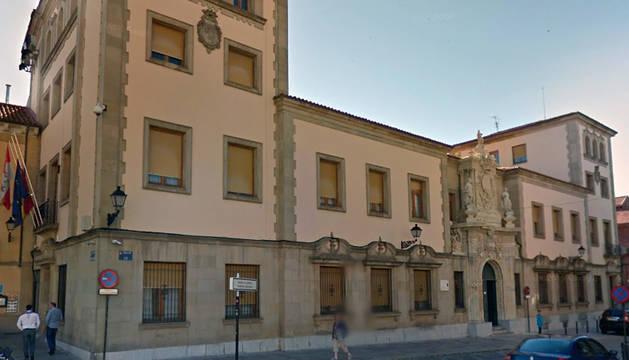 Exterior de la Audiencia de León.
