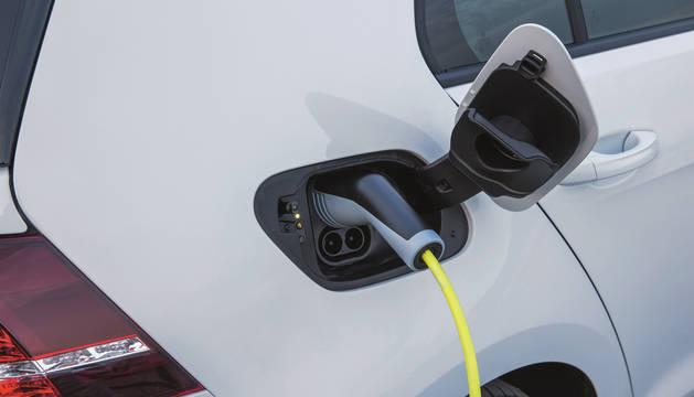 Foto de un coche eléctrico.