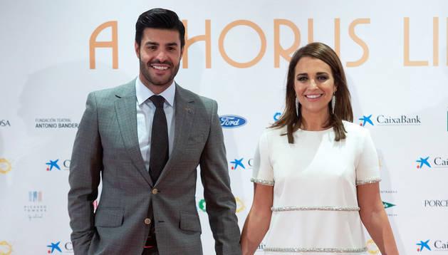 Paula Echevarría y Miguel Torres posan juntos ante la prensa por primera vez