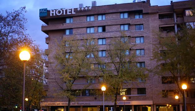 Fachada del hotel Ciudad de Pamplona que está franquiciado bajo la marca AC.