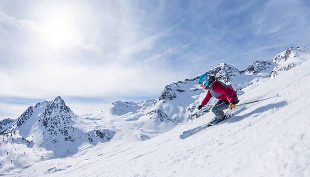 Formigal, la primera estación que ha abierto la temporada en el Pirineo oscense.