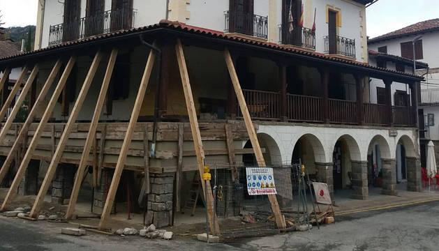 Foto de las obras en el Ayuntamiento de Roncal.