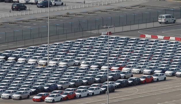 Foto de la campa con los coches terminados en Landaben.