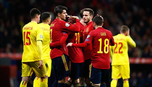 Los jugadores celebran uno de los tantos anotados contra Rumanía.