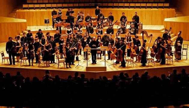 La Orquesta del Conservatorio, sobre el escenario del Auditorio Remacha.