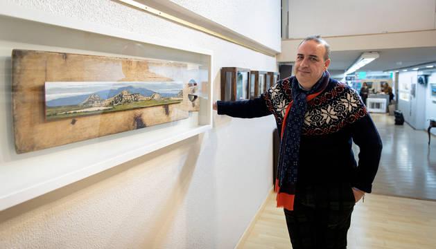 Foto de Joseja Casado presenta Gracias, su décima exposición individual en la Galería Ormolú que consta de 35 cuadros.
