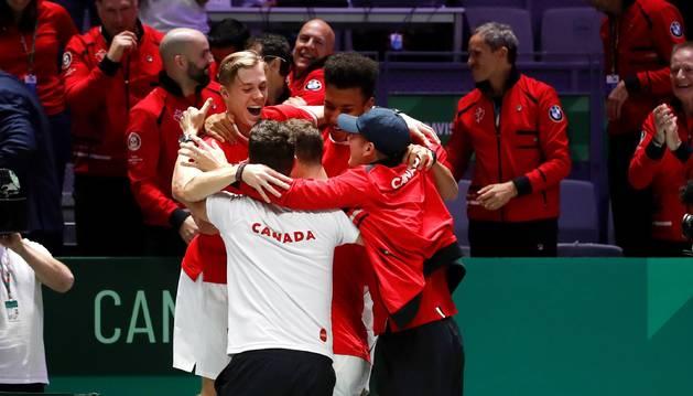 foto de Los tenistas canadienses celebran el pase histórico a la final de la Copa Davis