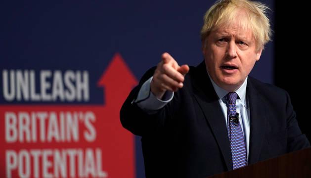El primer ministro británico, Boris Johnson, en la presentación oficial del manifiesto del partido en West Midlands.