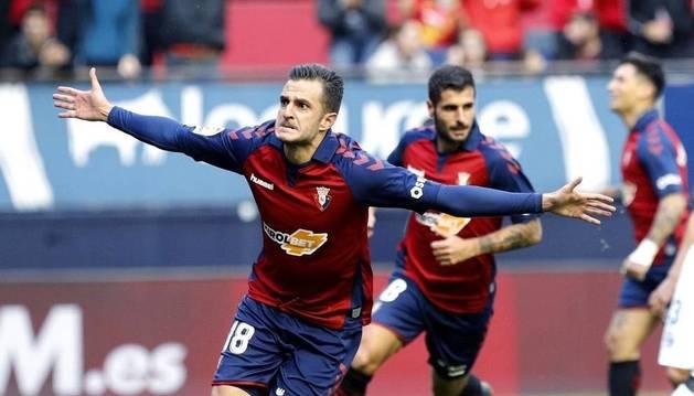 Juan Villar, titular en el ataque de Osasuna junto al Chimy