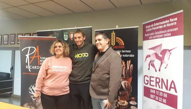 Oskia Lazkoz, Ricardo Abad y Txema García presentaron ayer las iniciativas solidarias.