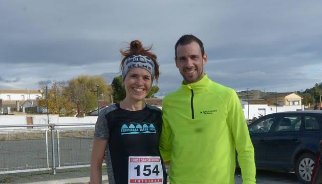 Foto de aloma Sainz y Javier Nagore, ganadores en Artajona.