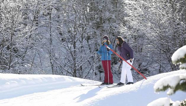 Inicio de la temporada de esquí en la estación de Larra-Belagua