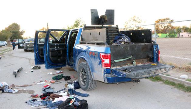 foto de Un vehículo equipado con blindaje y un arma automática de grueso calibre usado en el tiroteo