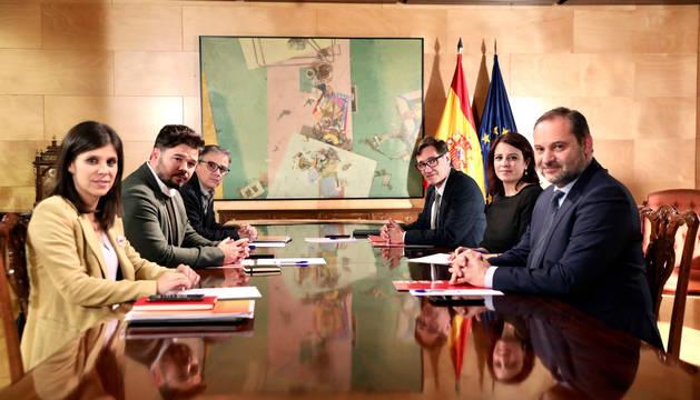 PSOE y ERC avanzan en la