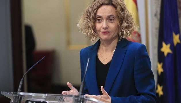 La presidenta del Congreso Meritxell Batet se dirige a los medios de comunicación durante la rueda de prensa tras la primera reunión de la Mesa del Congreso.