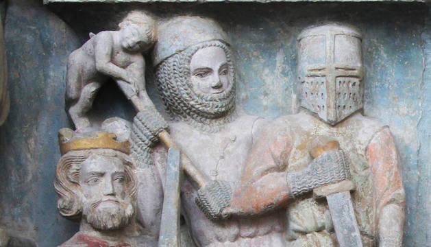 Relieve de la matanza de los Santos Inocentes en la portada de Santa María de Olite, fines del siglo XIII.
