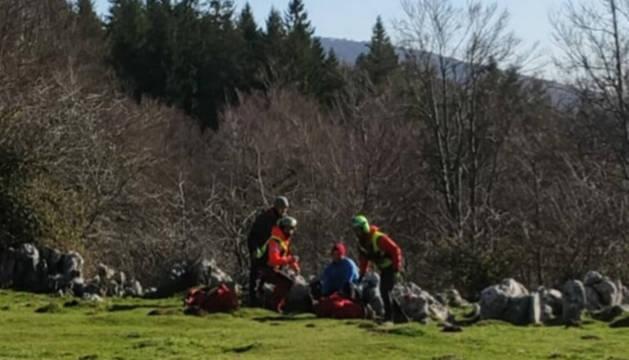 Momento del rescate efectuado por Bomberos de Navarra en Aralar.