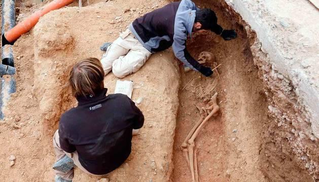 Imagen de una de las dos nuevas tumbas halladas en la necrópolis musulmana de Ribaforada.