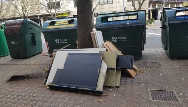 Imagen de los escombros en las calles Navas de Tolosa.