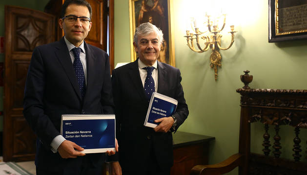 Miguel Cardoso, economista jefe para España de BBVA Research, y Carlos Gorría, director Territorial Norte de BBVA.