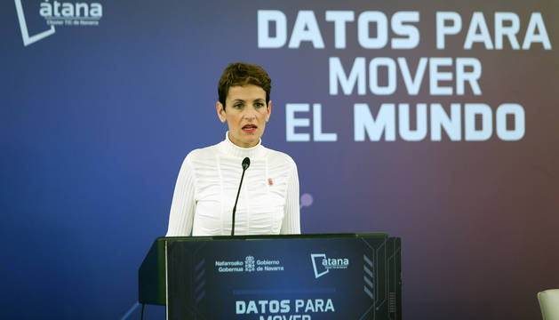 La presidenta del Gobierno foral, María Chivite, en un momento de su intervención.
