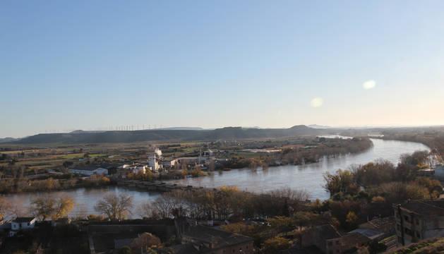 Foto del Ebro, que solo inundó zonas de cultivos y no obligó a cortar ninguna carretera.