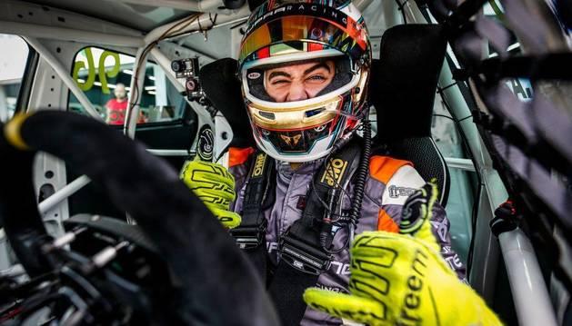 Azcona sube al podio en Malasia y cierra quinto la Copa Mundial