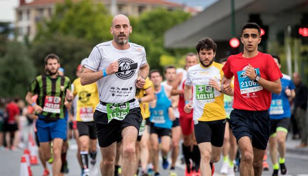 Foto de varios participantes en las pruebas del 'EDP San Fermín Marathon' del pasado año.