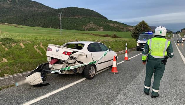 Foto de un accidente a la altura del peaje de Zuasti