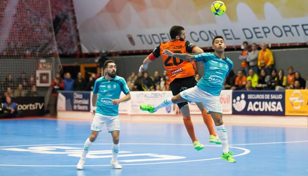 Imagen del partido disputado este martes en el Ciudad de Tudela.