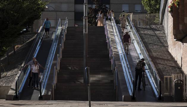 Imagen de archivo de las escaleras del barrio de Azpilagaña.