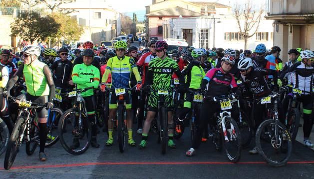 En la salida, 412 bikers que completaron un circuito de unos 30 km, acortado por el barro acumulado.