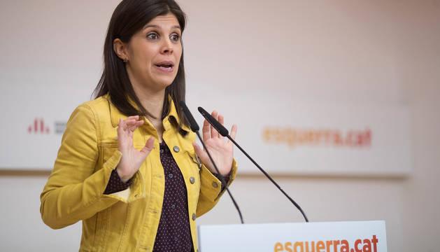 La portavoz de Esquerra Republicana de Catalunya (ERC), Marta Vilalta, durante una rueda de prensa ofrecida este lunes.