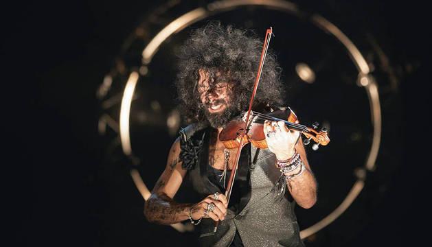 Ara Malikian, durante un concierto de la gira Royal Garage World Tour.