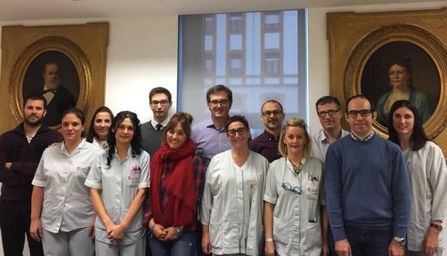 Investigadores de la UPNA y enfermeras del CHN autores de la aplicación.