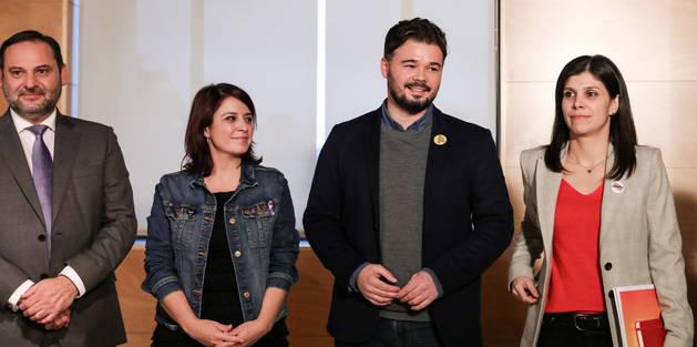 foto de Reunión entre PSOE y ERC de cara a la investidura de Pedro Sánchez