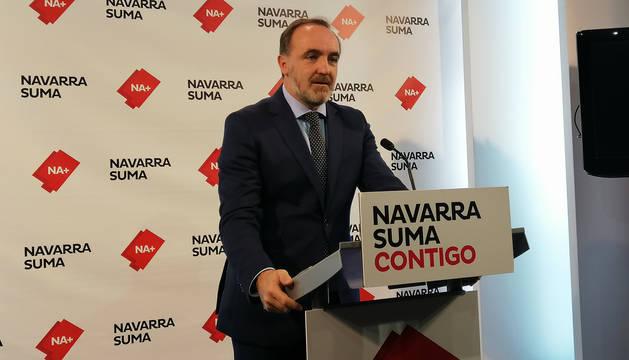 Javier Esparza durante su comparecencia ante los medios para valorar los acuerdos entre PSOE y el PNV que afectan a Navarra.