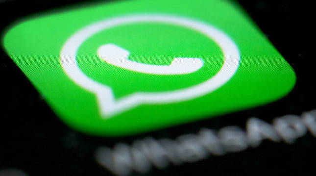 foto de Logotipo de Whatsapp en un móvil.