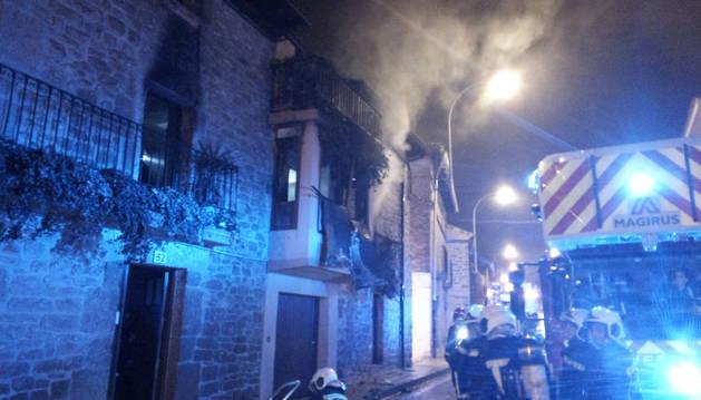 Estado en el que quedó la vivienda afectada por las llamas en San Martín de Unx.