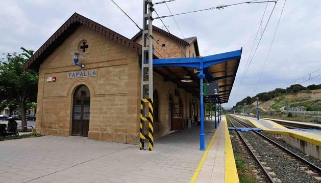 Fotografía de la estación de tren en Tafalla, lugar en el que se ha cerrado la taquilla.