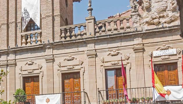 Foto de la fachada del Ayuntamiento de Viana.