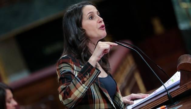 Foto de Inés Arrimadas en su intervención en la primera sesión del debate de investidura de Pedro Sánchez.