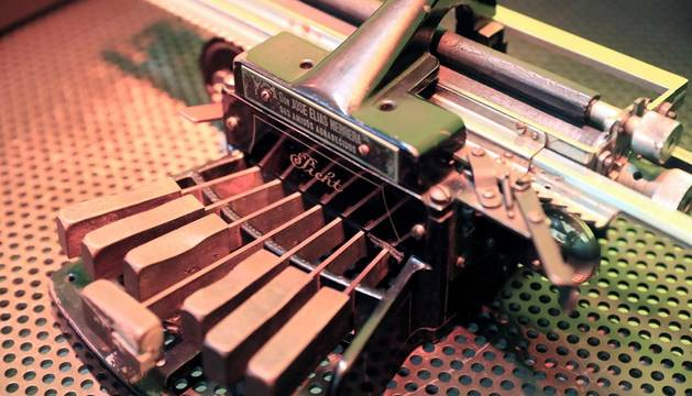 Una de las máquinas de la exposición en el Museo Tiflológico de la ONCE, coincidiendo con el Día Mundial del Braille.