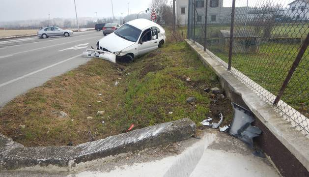 Foto de uno de los accidentes atendidos por Policía Municipal este fin de semana en Pamplona.