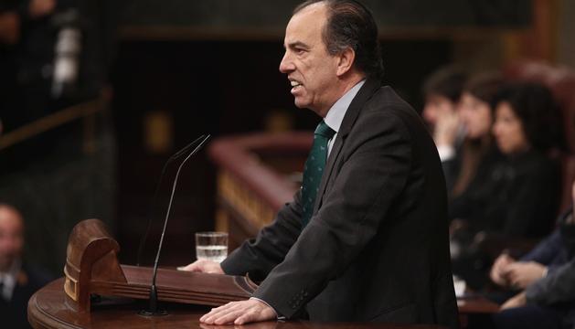 El diputado de Navarra Suma Carlos García Adanero, durante su intervención este martes en el Congreso.