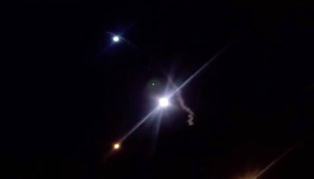 Foto de misiles lanzados desde Irán contra una base militar estadounidense en Irak.