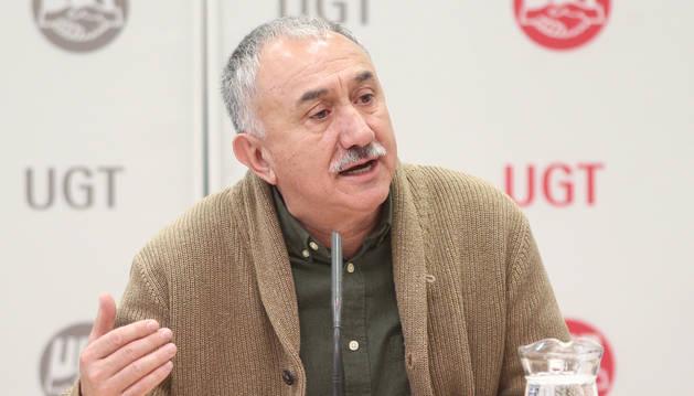 foto de El secretario general de UGT, Pepe Álvarez, en una rueda de prensa en Madrid